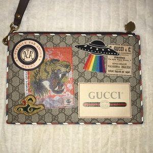 8d14553d8b3c9 Gucci Bags - Gucci Courrier GG Supreme Pouch